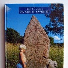 Libros de segunda mano: RUNAS EN SUECIA, POR SVEN B.F. JANSSON. RUNES IN SWEDEN. TEXTO EN INGLÉS. INSCRIPCIONES RÚNICAS. Lote 152242390