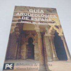Libros de segunda mano: GUIA ARQUEOLOGICA DE ESPAÑA. Lote 187089192