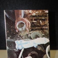 Libri di seconda mano: CONSERVACIÓN DE MATERIALES EN EXCAVACIONES ARQUEOLÓGICAS.- MUSEO ARQUEOLÓGICO DE VALLADOLID.. Lote 223395765