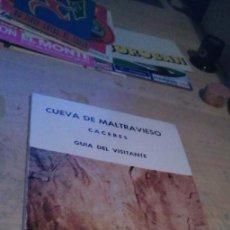 Libros de segunda mano: LAS PINTURAS RUPESTRES DE LA CUEVA DE MALTRAVIESO EN CÁCERES: GUÍA DEL VISITANTE AÑO 1969. Lote 225889465