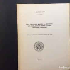 Libros de segunda mano: UNA TEJA CON LA MARCA L. HERENNI DEL POBLADO DE SAN ANTONIO ( BOCAIRENT. VALENCIA). Lote 240602320
