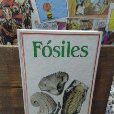 Libros de segunda mano: FÓSILES. SUSAETA.. Lote 269355198
