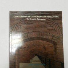 Libros de segunda mano: CONTEMPORARY SPANISH ARCHITECTURE DE SOLA-MORALES, IGNASI 1986 ARQUITECTURA. Lote 56645176