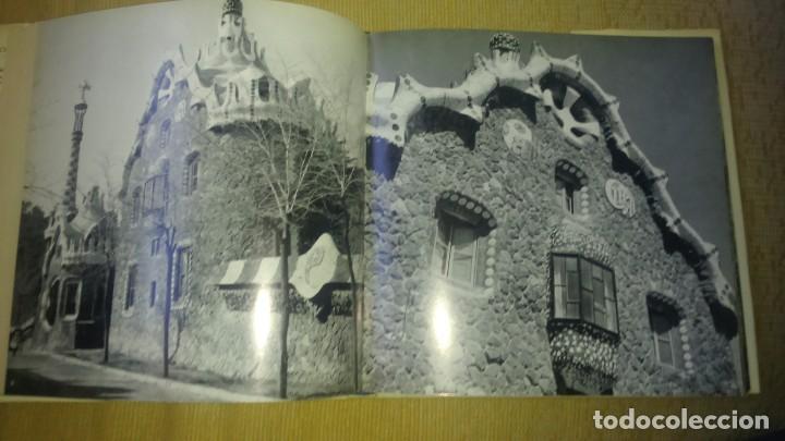 Libros de segunda mano: Muy raro libro de Park guell gaudi ediciones polígrafa 2 edición año 1971 con fotografías miren foto - Foto 9 - 64378555