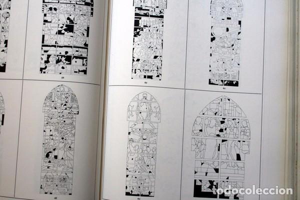 Libros de segunda mano: LAS VIDRIERAS DE LA CATEDRAL DE SEVILLA - VICTOR NIETO ALCALDE - MUY ILUSTRADO - GRAN FORMATO - Foto 8 - 102004183