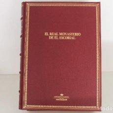 Libros de segunda mano: EL REAL MONASTERIO DEL ESCORIAL. Lote 109355503