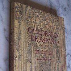 Libros de segunda mano: CATEDRALES DE ESPAÑA. PEDRO NAVASCUÉS/ CARLOS SARTHOU. BBV- ESPASA CALPE, 1996... Lote 140118058