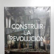 Libros de segunda mano: CONSTRUIR LA REVOLUCIÓN: ARTE Y ARQUITECTURA EN RUSIA - VARIOS AUTORES. Lote 151694020