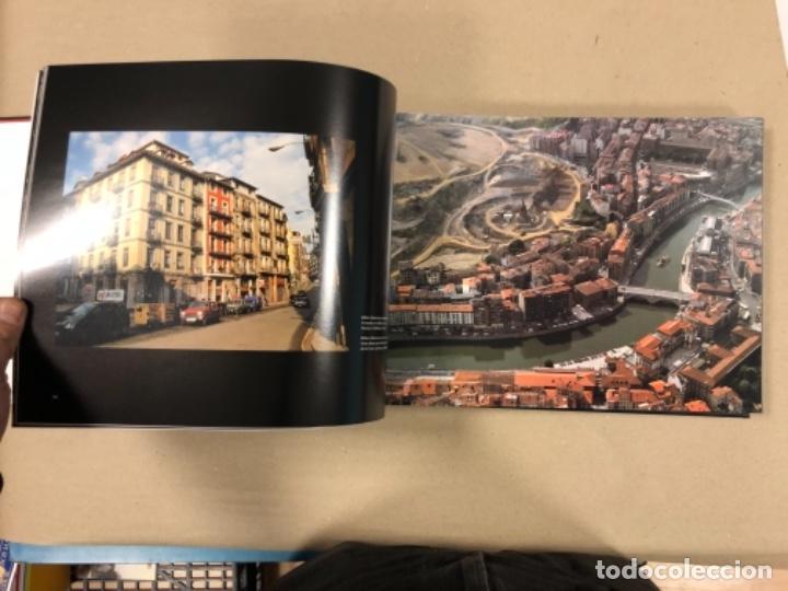 Libros de segunda mano: BILBAO, UNA VISIÓN URBANA (1300-2000). VV.AA.. EDITA COAVN BIZKAIA EN 2001. - Foto 9 - 154499194