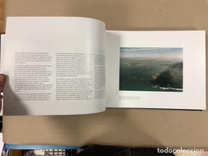 Libros de segunda mano: BILBAO, UNA VISIÓN URBANA (1300-2000). VV.AA.. EDITA COAVN BIZKAIA EN 2001. - Foto 10 - 154499194