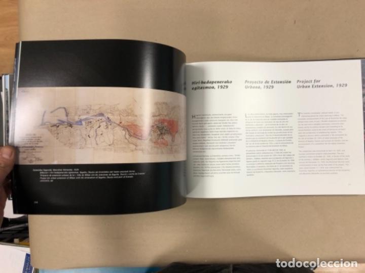 Libros de segunda mano: BILBAO, UNA VISIÓN URBANA (1300-2000). VV.AA.. EDITA COAVN BIZKAIA EN 2001. - Foto 14 - 154499194