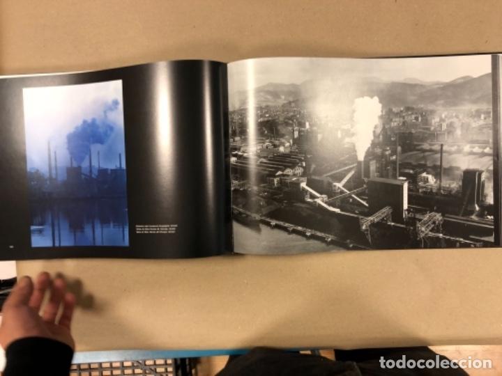 Libros de segunda mano: BILBAO, UNA VISIÓN URBANA (1300-2000). VV.AA.. EDITA COAVN BIZKAIA EN 2001. - Foto 18 - 154499194