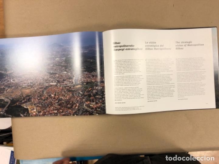 Libros de segunda mano: BILBAO, UNA VISIÓN URBANA (1300-2000). VV.AA.. EDITA COAVN BIZKAIA EN 2001. - Foto 21 - 154499194