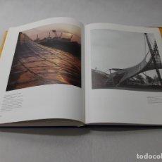 Libros de segunda mano: ARQUITECTURA DEL SIGLO XX - GÖSSEL, PETER. Lote 155821906