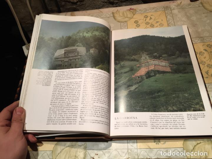 Libros de segunda mano: LA CASA RURAL A CATALUNYA. CASES AÏLLADES I CASES DE POBLE año 1998 - Foto 4 - 156629930