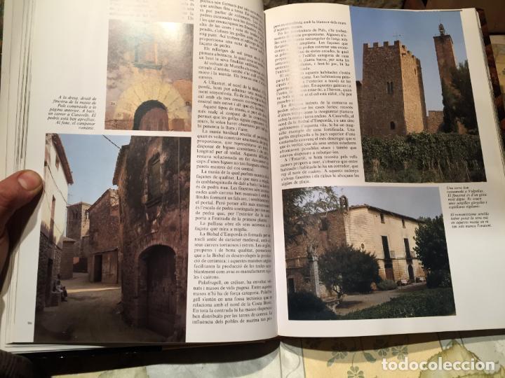 Libros de segunda mano: LA CASA RURAL A CATALUNYA. CASES AÏLLADES I CASES DE POBLE año 1998 - Foto 6 - 156629930