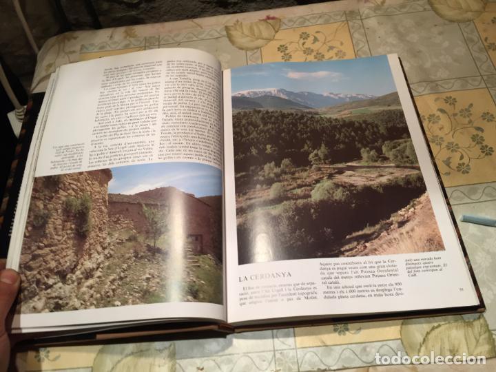 Libros de segunda mano: LA CASA RURAL A CATALUNYA. CASES AÏLLADES I CASES DE POBLE año 1998 - Foto 7 - 156629930