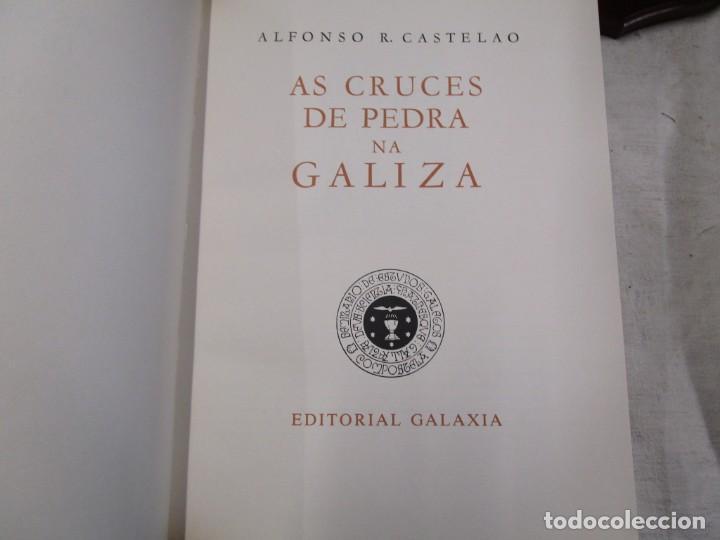 Libros de segunda mano: GALICIA: AS CRUCES DE PEDRA NA GALIZA POR CASTELAO - GALAXIA 1984, EDI NUMERADA 301/500 + INFO 1S - Foto 4 - 171149862