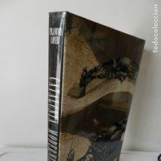 Libros de segunda mano: CASES MODERNISTES DE CATALUNYA - ORIOL PI DE CABANYES - FOTOS TONI CATANY ED 62. Lote 172611740