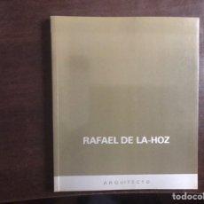 Libros de segunda mano: RAFAEL DE LA HOZ. ARQUITECTO. ANTONIO AMARO. COMO NUEVO. Lote 183446491