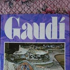 Libros de segunda mano: GAUDÍ ARQUITECTURA DEL FUTUR -SALVAT LA CAIXA- 1984-TAPA DURA- 144 PÁGINAS- 30X23 CM. EN CATALÁN. Lote 189418360