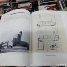 Libros de segunda mano: WILLIEM MARINUS DUBOK .ARQUITECTO DE HILVERSUM 1884 - 1974. . 1ª EDICIÓN 1988 . HISTORIA, DISEÑOS. Lote 193764528