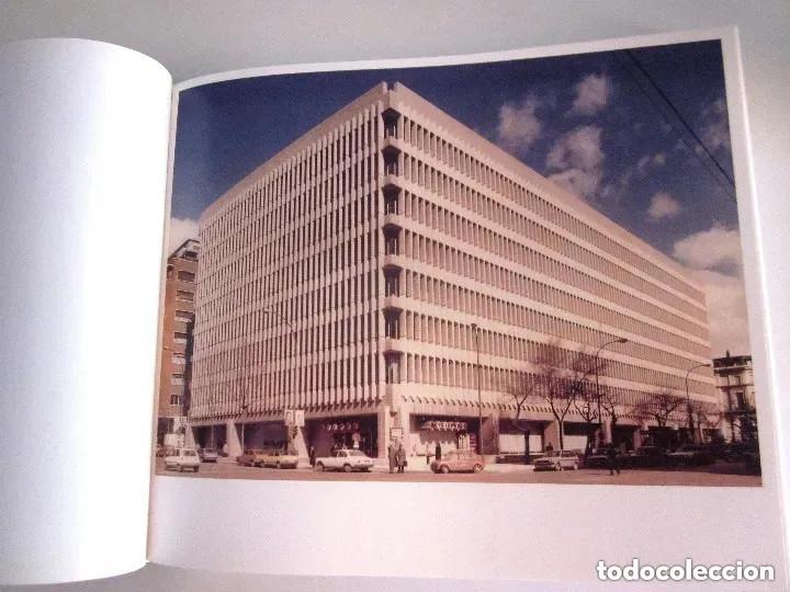 Libros de segunda mano: Edificio Beatriz Madrid 2013 La piel dura Beatriz Building The hard skin en español e inglés 432 pág - Foto 2 - 196603707