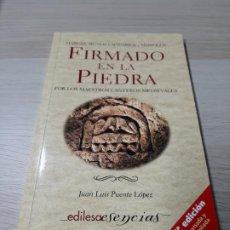 Libros de segunda mano: FIRMADO EN LA PIEDRA POR LOS MAESTROS CANTEROS MEDIEVALES, 2006 ARQUITECTURA. Lote 198791052