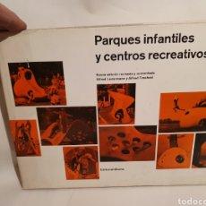 Libri di seconda mano: PARQUES INFANTILES Y CENTROS RECREATIVOS. ALFRED LEDERMANN Y ALFRED TRACHSEL. BLUME.. Lote 224770076