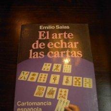 Libros de segunda mano: EL ARTE DE ECHAR LAS CARTAS, EMILIO SALAS, CARTOMANCIA ESPAÑOLA, ED. MARTINEZ ROCA, 1987. Lote 16631782