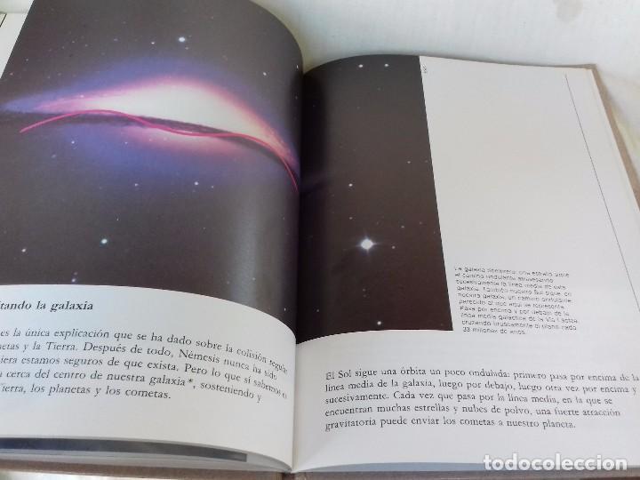 Libros de segunda mano: ¿Mataron los cometas a los dinosaurios?-Isaac Asimov. Biblioteca del Universo 4-EDICIONES SM 1989 - Foto 12 - 97882023