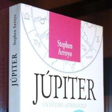 Libros de segunda mano: JÚPITER STEPHEN ARROYO 1ª EDICIÓN 1998. Lote 143245654