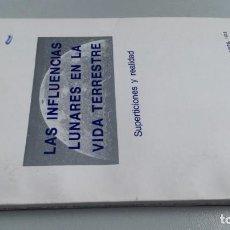 Libros de segunda mano: RAIMUNDO JEMMA LAS INFLUENCIAS LUNARES EN LA VIDA TERRESTRE. SUPERSTICIONES Y REALIDAD BUENOS AIRES. Lote 161290610