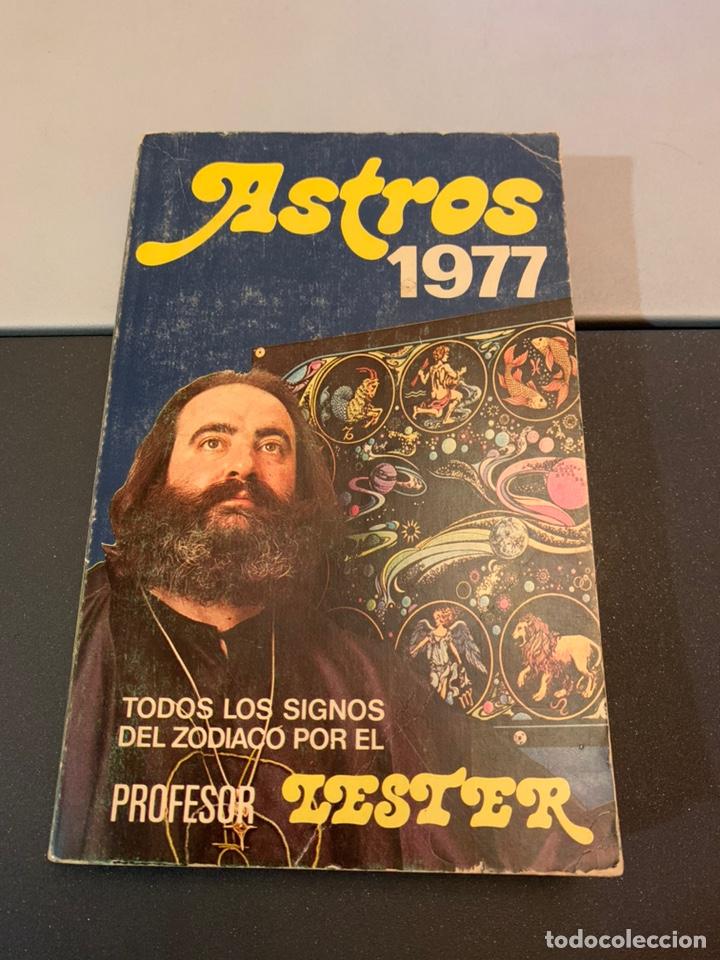 ASTROS 1977. PROFESOR LESTER. (Libros de Segunda Mano - Parapsicología y Esoterismo - Astrología)