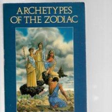 Libros de segunda mano: LIBRO EN INGLES ARCHETYPES OF THE ZODIAC DE KATHLEEN BURT 1993 CON 543 PAGINAS . Lote 201776903