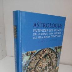 Libros de segunda mano: ASTROLOGIA, ENTENDER LOS SIGNOS DEL ZODIACO PARA MEJORAR LAS RELACIONES PERSONALES, 2004. Lote 209764760