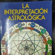 Libros de segunda mano: LA INTERPRETACION ASTROLOGICA ( DEMETRIO SANTOS ). Lote 224342867