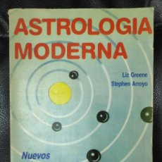 Libros de segunda mano: ASTROLOGIA MODERNA NUEVOS ENFOQUES ( LIZ GREENE-STEPHEN ARROYO ). Lote 263536585