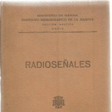 Libri di seconda mano: RADIOSEÑALES. MINISTERIO DE MARINA. AÑO 1961. Lote 57647807