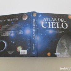 Libros de segunda mano: ADRIANA RIGUTTI. ATLAS ILUSTRADO DEL CIELO. RMT85334. . Lote 109751435