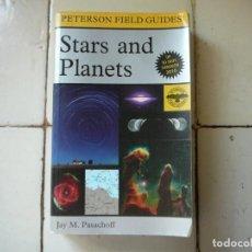 Libros de segunda mano: STARS AND PLANETS. ESTRELLAS Y PLANETAS GUÍA ACTUALIZADA EN 2010. EN INGLÉS. PETERSON FIELD GUIDES. Lote 168953032