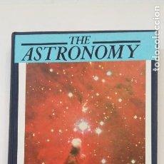 Libros de segunda mano: THE ASTRONOMY. PATRICK MOORE. ORION BOOKS. EN INGLES. TDK402. Lote 205845487