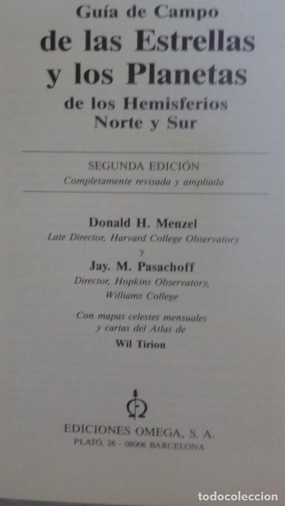 Libros de segunda mano: GUIA DE CAMPO DE LAS ESTRELLAS Y LOS PLANETAS DE LOS HEMISFERIOS NORTE Y SUR - Foto 2 - 209241620