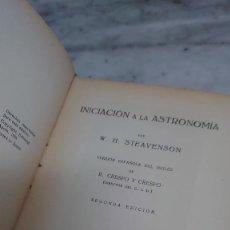Libros de segunda mano: PRPM 17 INICIACIÓN A LA ASTRONOMÍA. W.H. STEAVENSON. EDITORIAL APOLO. Lote 218531443