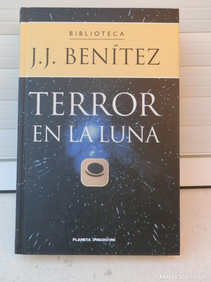 BIBLIOTECA J.J. BENÍTEZ. TERROR EN LA LUNA. EDITORIAL PLANETA DEAGOSTINI. BARCELONA, 2002 (Libros de Segunda Mano - Ciencias, Manuales y Oficios - Astronomía)