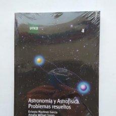 Libros de segunda mano: ASTRONOMIA Y ASTROFISICA. PROBLEMAS RESUELTOS. ERNESTO MARTINEZ GARCIA AMALIA WILLIART TORRES TDK537. Lote 221639377