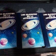 Libros de segunda mano: LOS SECRETOS DE LA ASTRONOMÍA TRES VOLÚMENES LOS AMIGOS DE LA HISTORIA. Lote 222598877