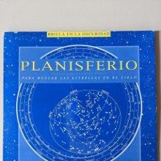 Libros de segunda mano: PLANISFERIO - MELQUIADES Y MERLIN - IMPECABLE - BRILLA EN LA OSCURIDAD. Lote 223091882