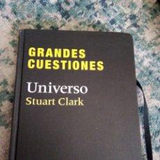 Libros de segunda mano: GRANDES CUESTIONES. UNIVERSO. STUART CLARK. Lote 232147955