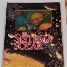 Libros de segunda mano: EL SISTEMA SOLAR - EN CATALAN - EDICIONES BEASCOA 1996 - VER FOTOS. Lote 236828650